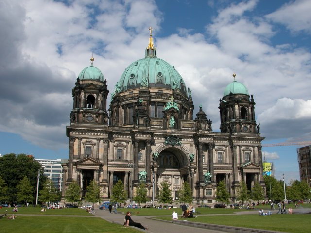 berlinerdom.jpg